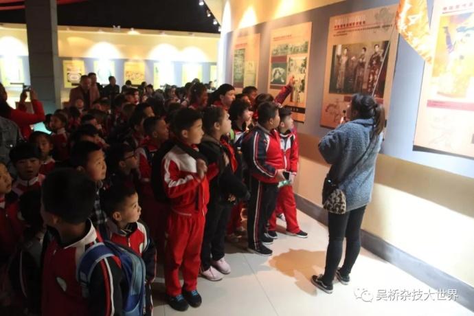 吴桥杂技大世界景区排派出优秀导游全程讲解