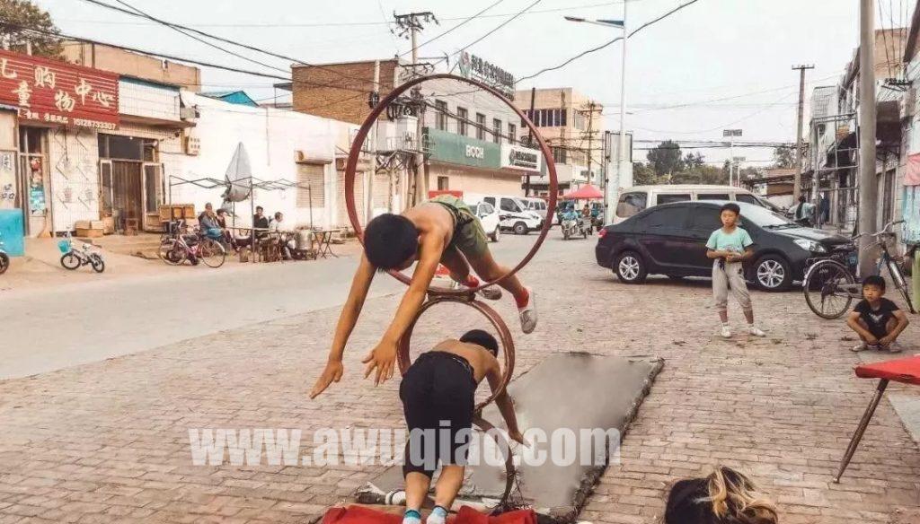 吴桥县是妇孺皆知的杂技之乡,在这里也承载着无数有关中国杂技的荣辱浮沉和惊世绝技。
