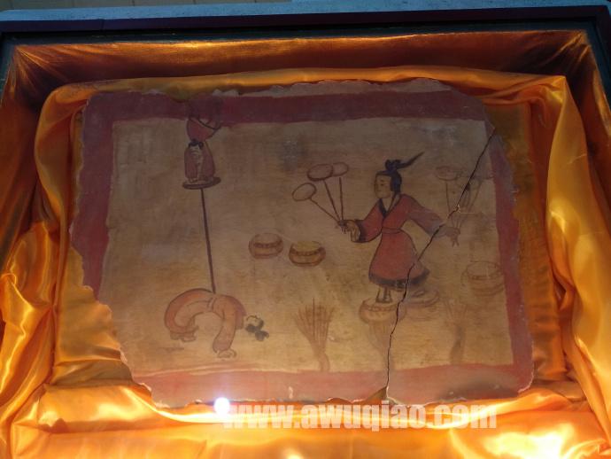 南北朝东魏时期古墓中的杂技壁画