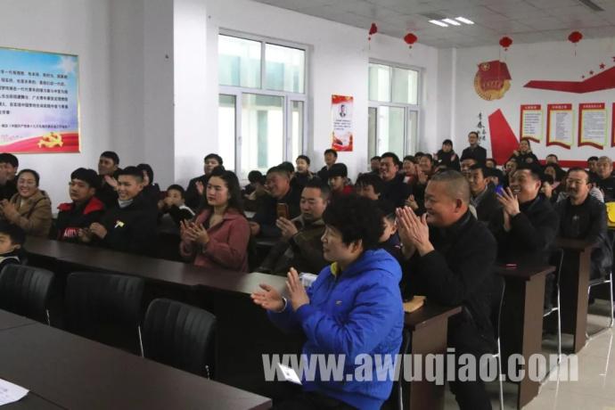 张硕舞蹈杂技艺术学校迎来40余名来自唐山、承德、河南等地青少年学员。